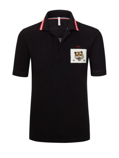 Polo shirt with a number on the back, extra long v BLACK