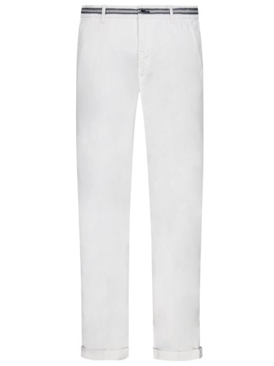 Leichte Chino mit Stretchanteil, Regular Slim Fit in WEISS