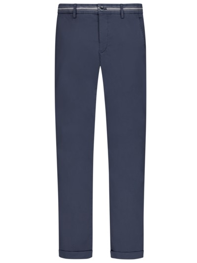 Leichte Chino mit Stretchanteil, Regular Slim Fit in MARINE