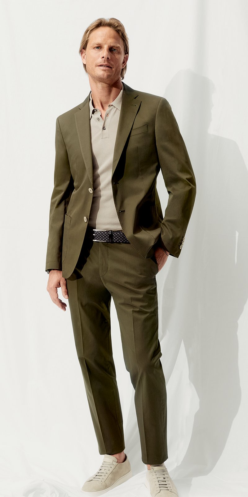 Oscar Jacobson Outfit 2 in O. ANGABE